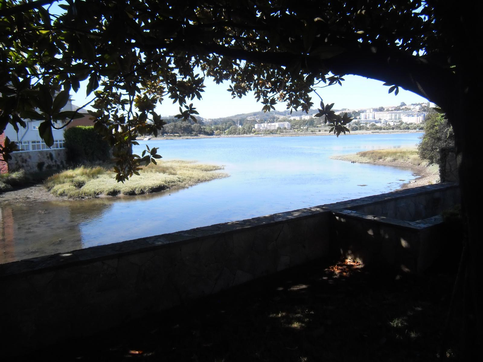 Foto 2 - Chalet independiente en venta en Oleiros, Ref: 1825929