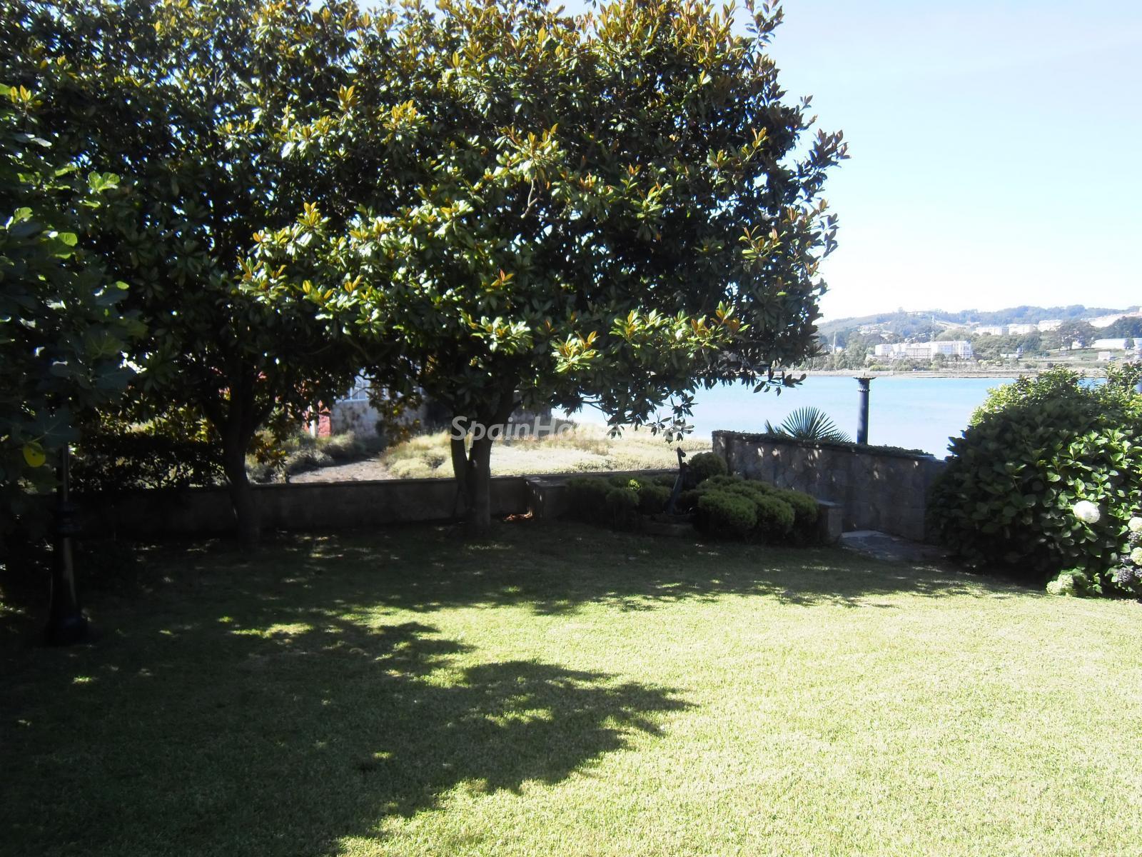 Foto 3 - Chalet independiente en venta en Oleiros, Ref: 1825929