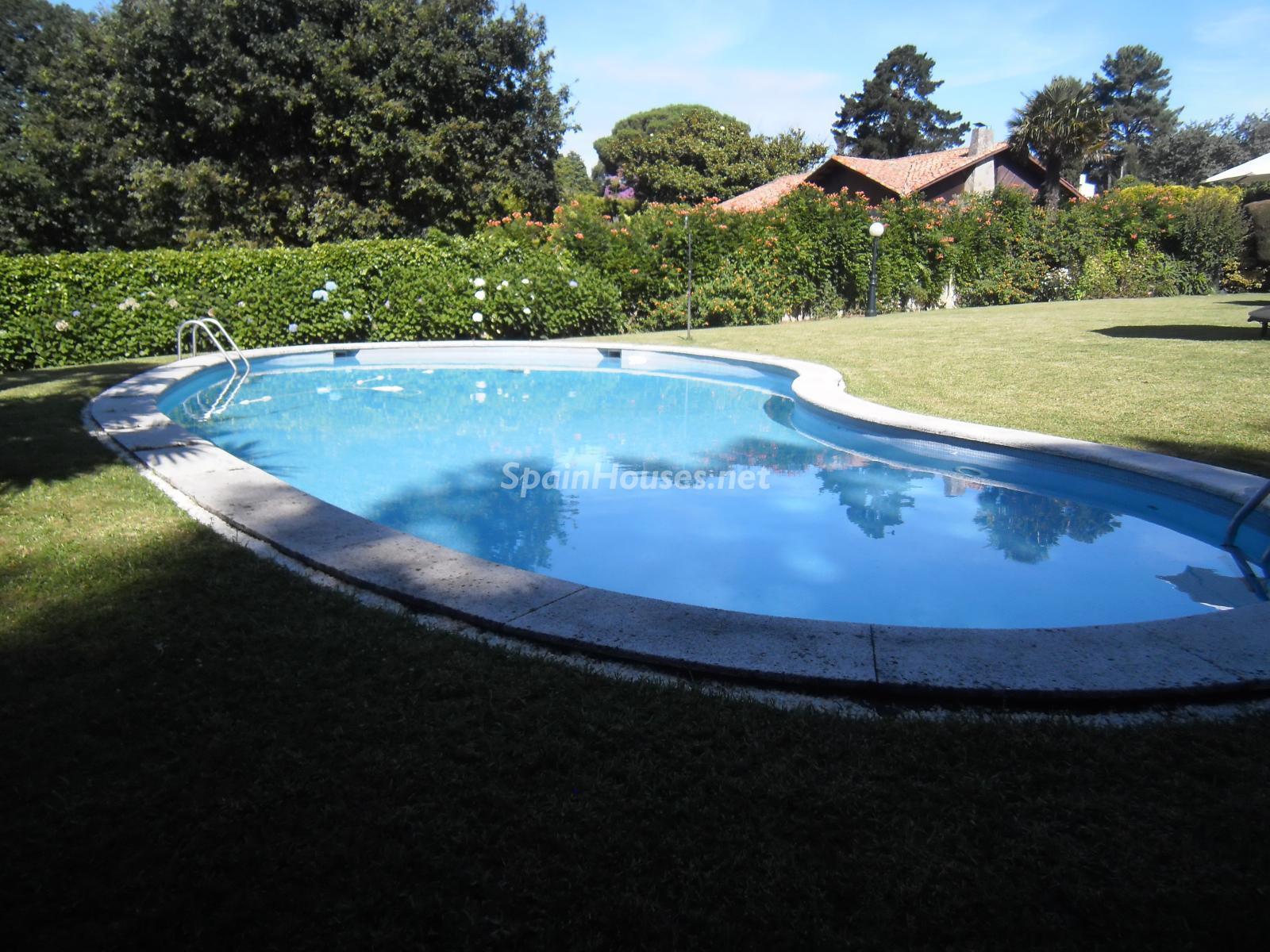 Foto 7 - Chalet independiente en venta en Oleiros, Ref: 1825929