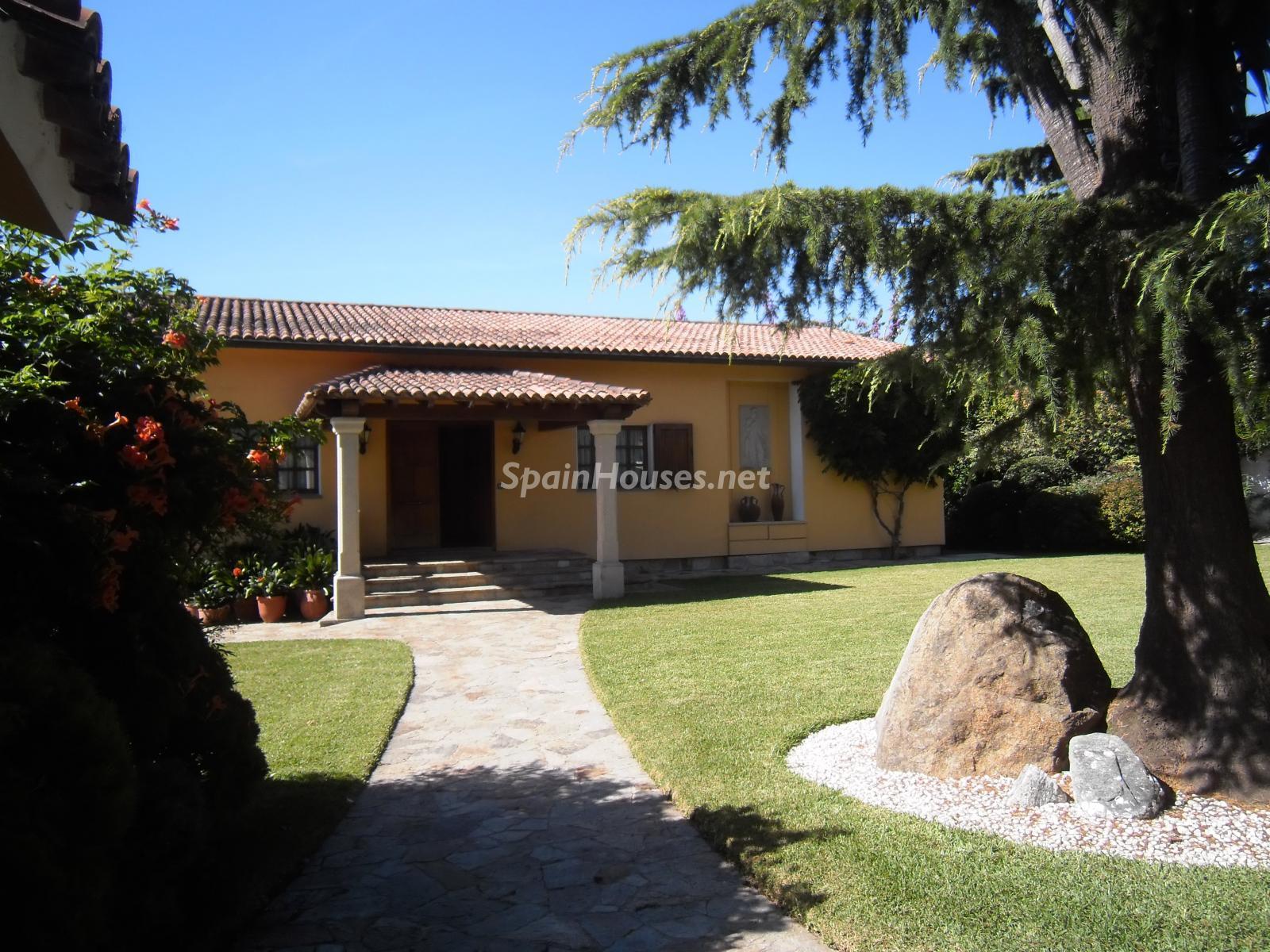 Foto 33 - Chalet independiente en venta en Oleiros, Ref: 1825929