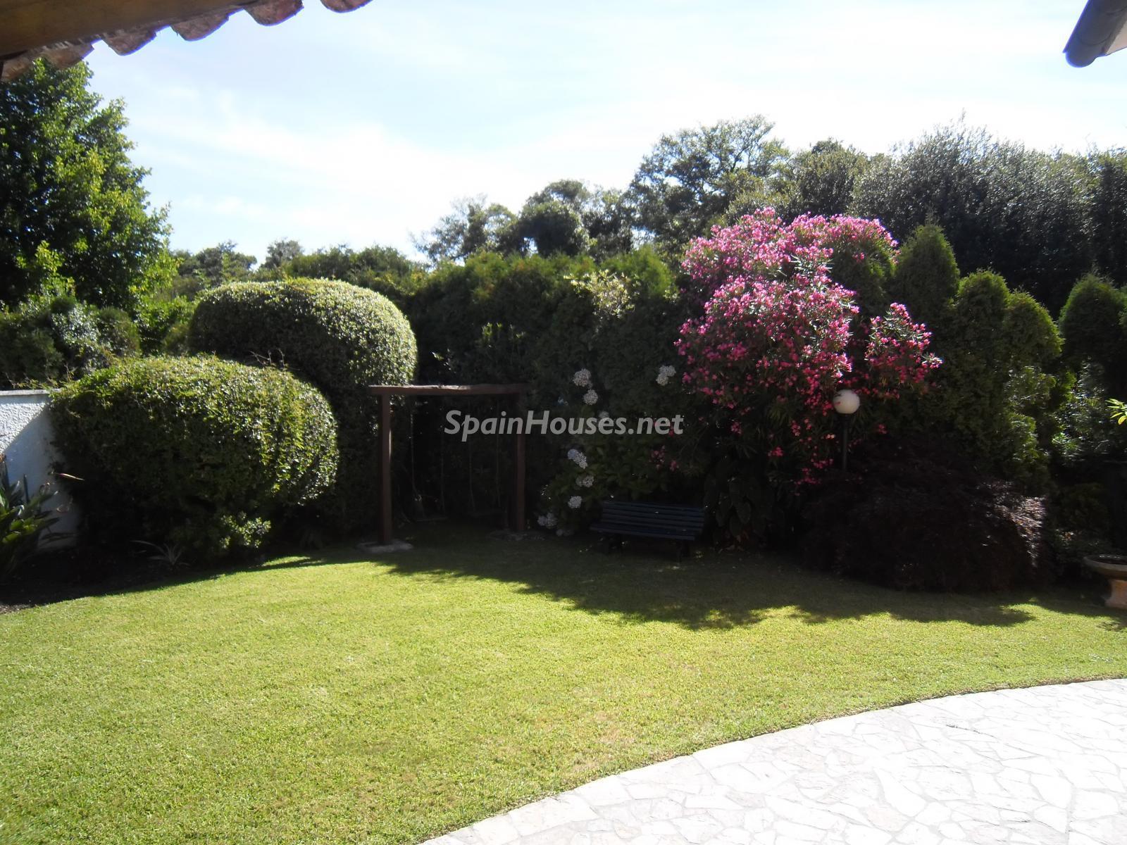 Foto 36 - Chalet independiente en venta en Oleiros, Ref: 1825929