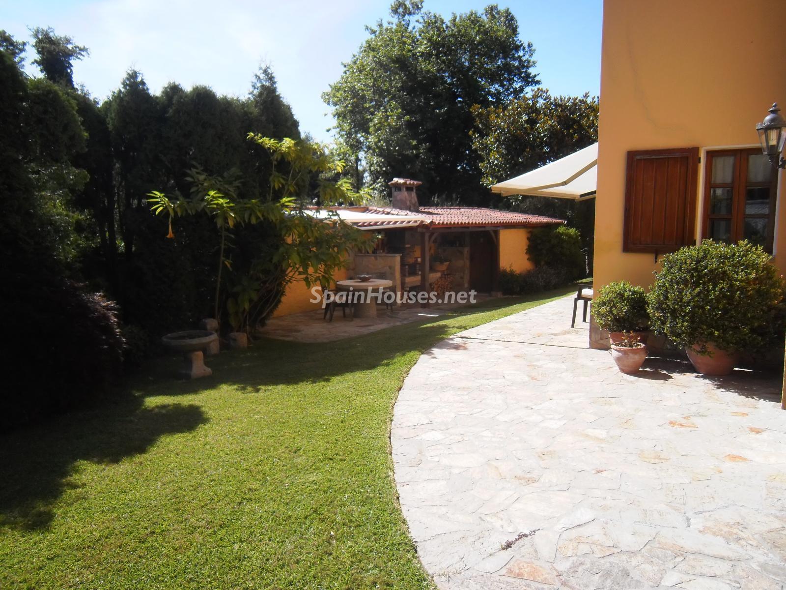 Foto 37 - Chalet independiente en venta en Oleiros, Ref: 1825929