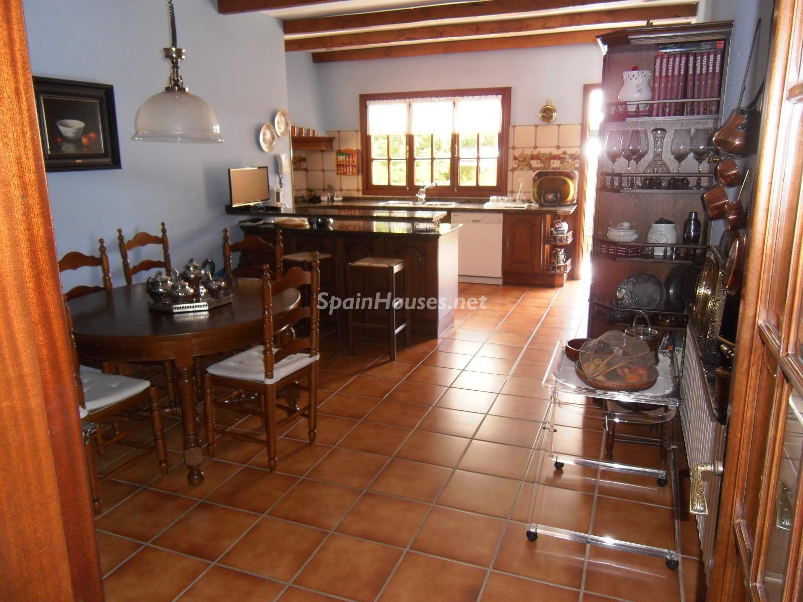 Foto 46 - Chalet independiente en venta en Oleiros, Ref: 1825929