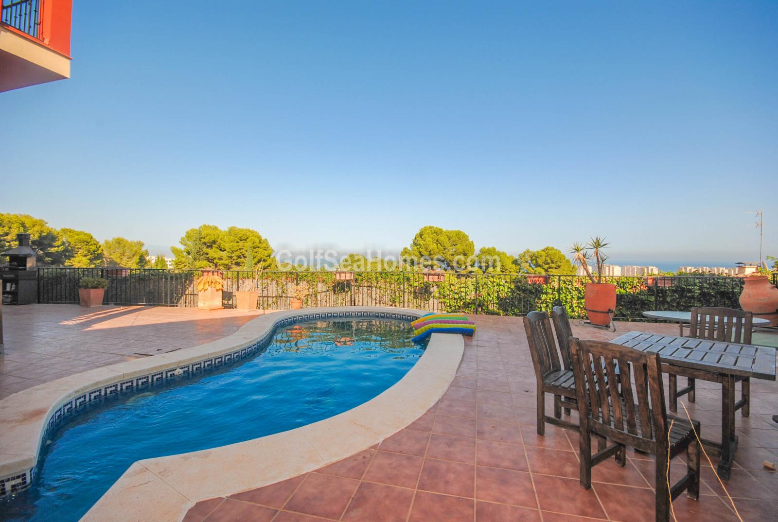 Wonderful Villa To Rent In Torremolinos   2037484