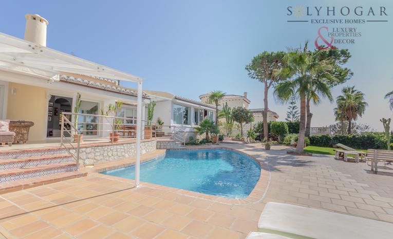 5f7329e1e18a Villa for sale in Torrequebrada - SOL-247
